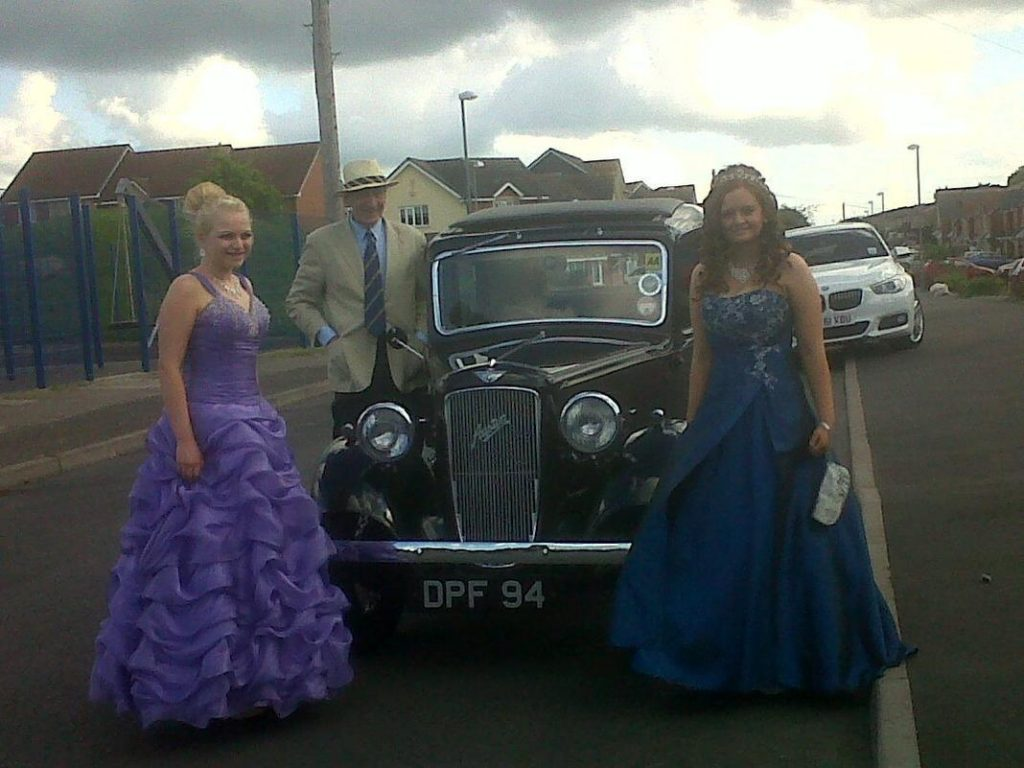Tia Cartwright (R) and friend Hannah Browne travelled in an old Austin owned by John, a former Austin apprentice