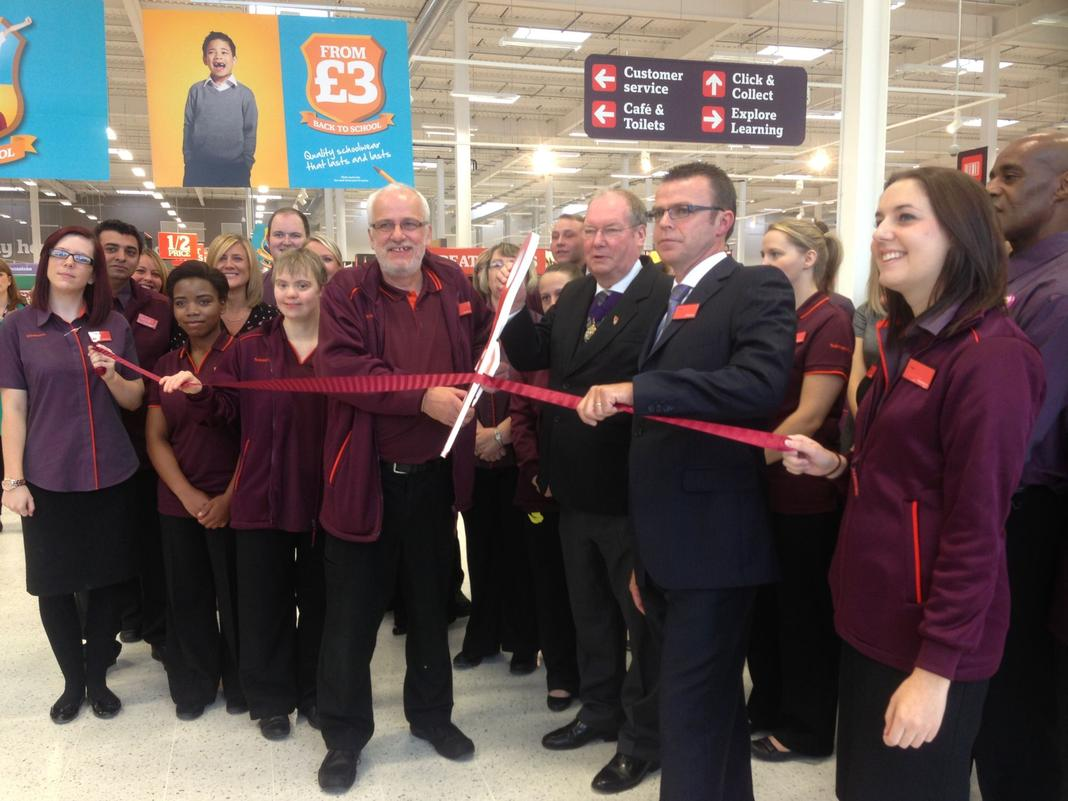 Land Rover Northfield >> In pictures: Longbridge Sainsbury's opening • B31 Voices