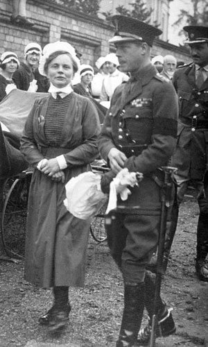 Matron Fanny Smith greeting King George VI during a visit to ROH