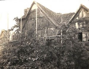 Selly Manor in 1912 before it was moved and rebuilt in Bournville.
